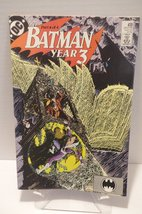 BATMAN YEAR 3 #439 DC COMIC BOOK 1989 [Paperbac... - $6.95