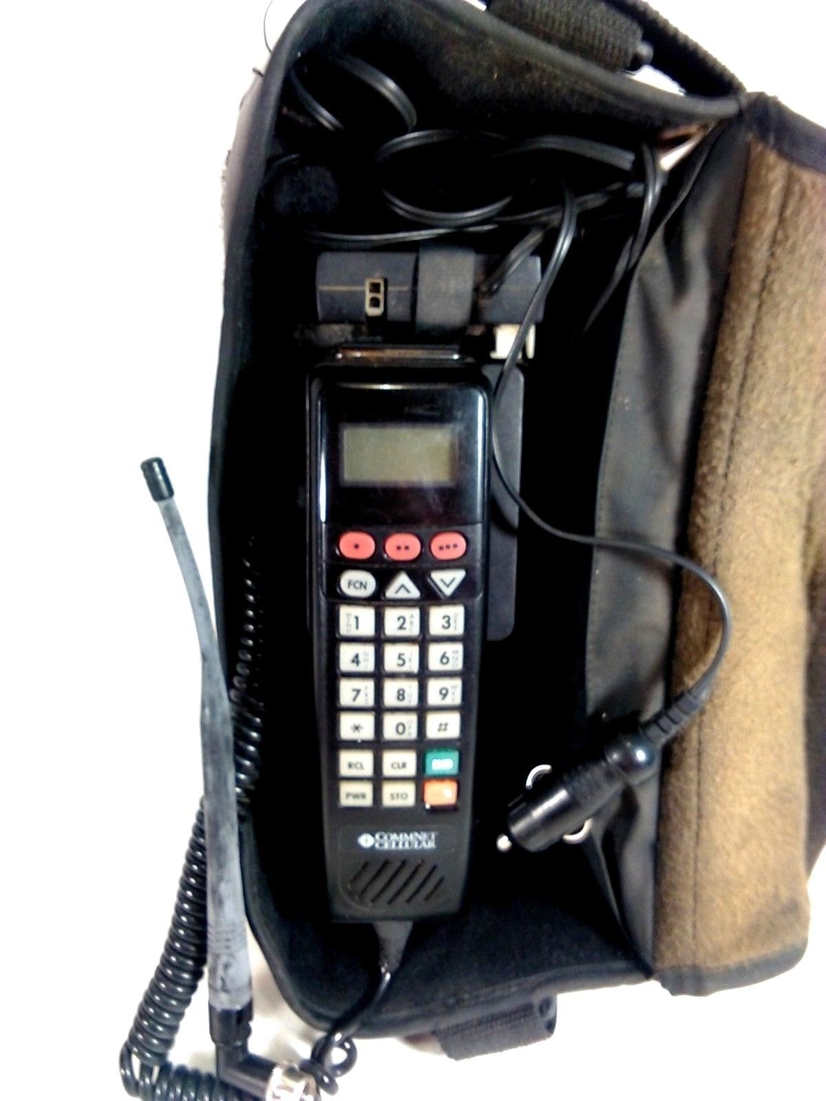 Vintage 1995 Motorola Portable Bag Cell Car Phone SCN 2462A for movie prop or
