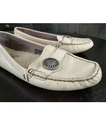 UGG Australia Womens Cream Driving Moccasins Shoe Loafers Size 7.5 - $17.49