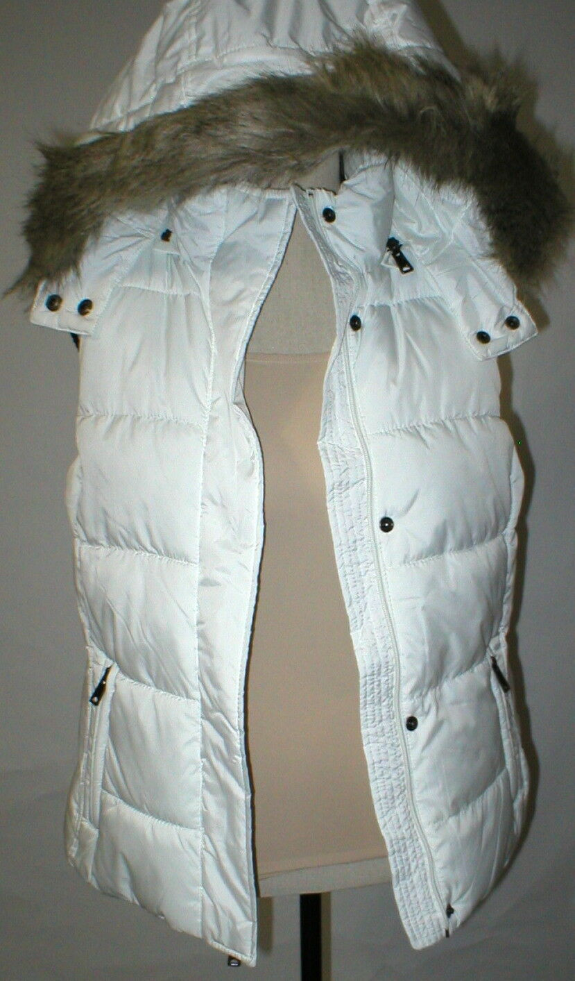 New NWT Womens S Banana Republic Faux Fur Hooded Vest White Removeable Sherpa