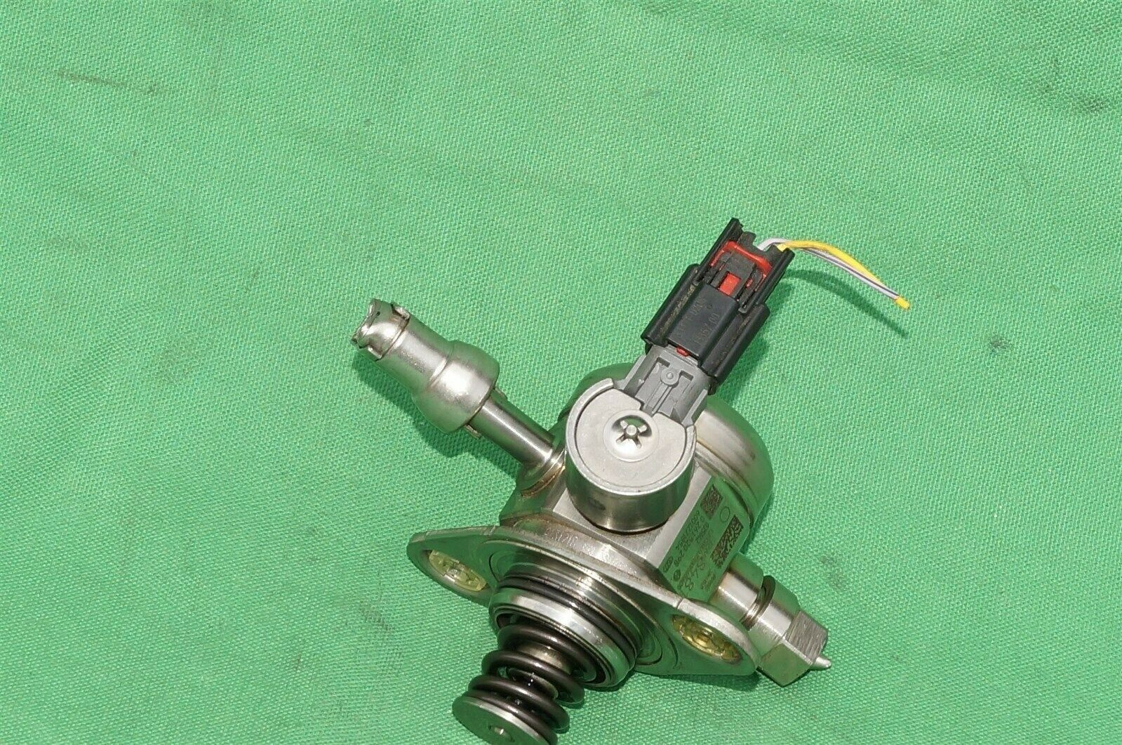 Direct Injection High Pressure Fuel Pump GM Chevy Buick 12658481, 0261520298