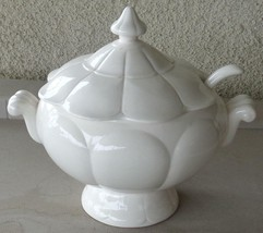 Beautiful Vintage White Ceramic Soup Terrine - With Lid & Ladle - VGC - ... - $69.29