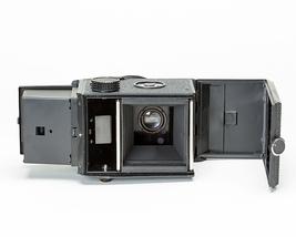 Lubitel 166 twin lens camera 4 thumb200