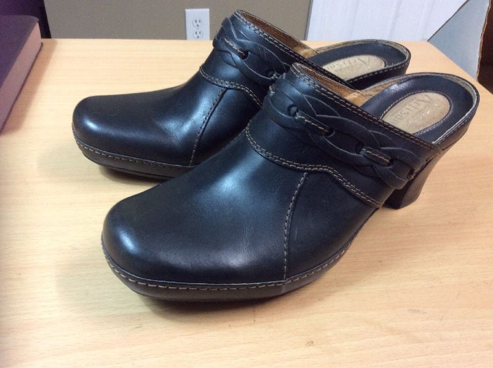 c39e3599aca Clarks Artisan Black Leather Braided Accent and 50 similar items. S l1600