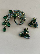 SET Vintage Green Aurora Borealis Rhinestone Pin Brooch Earrings - $45.00