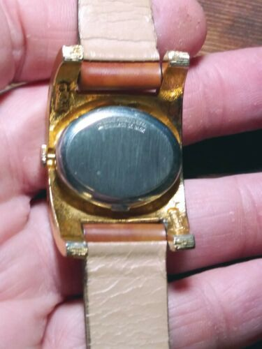 Vintage La Montre Womens Quartz Watch.  image 5