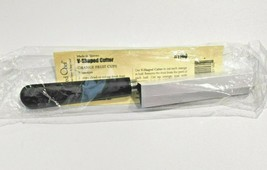 New Pampered Chef V-Shaped Cutter #1160 NIP - $4.99