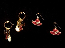 Vintage Two Pair Holiday Earrings Dangling Snowman Red Hat Fashion Jewelry - $9.66
