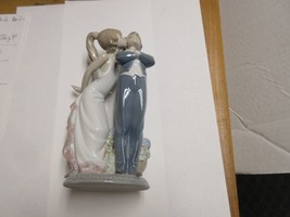 "LLADRO , Antique , No Insistas , 8""X5""X3"" , Old / New Inventory , # 5.555 - $198.00"
