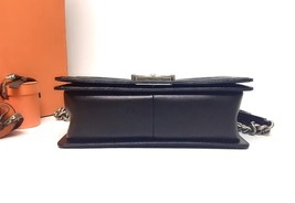 AUTHENTIC CHANEL BLACK QUILTED PATENT LEATHER MEDIUM BOY FLAP BAG GHW image 4