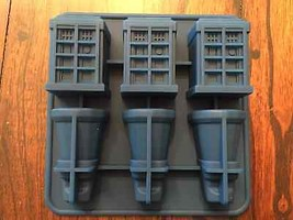 DOCTOR WHO TARDIS AND DALEKS ICE TRAY BIRTHDAY ... - $10.40
