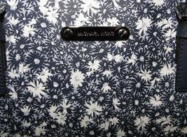 Michael Kors Jet Set Floral Lg Carryall Tote Navy Blue image 9