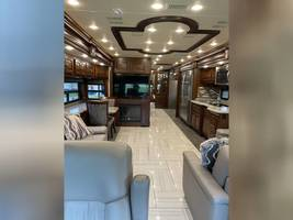 2018 AMERICAN COACH AMERICAN REVOLUTION 42S FOR SALE IN Avon, Indiana 46123 image 8