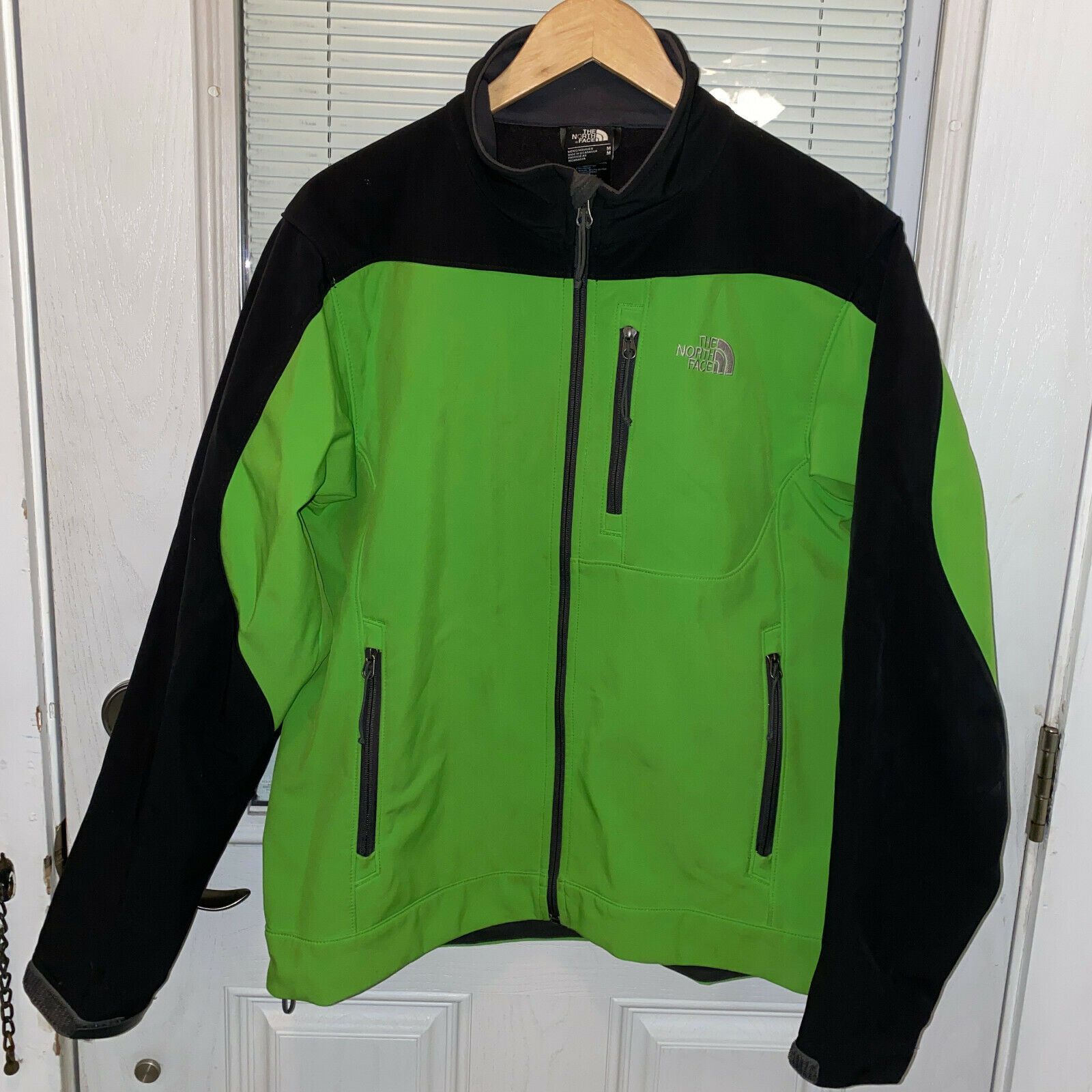 Primary image for North Face Apex Bionic Jacket Mens Medium Green Black T183