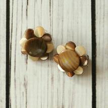 vintage brown mother of pearl flower clip earrings mid century midcentury - $9.89