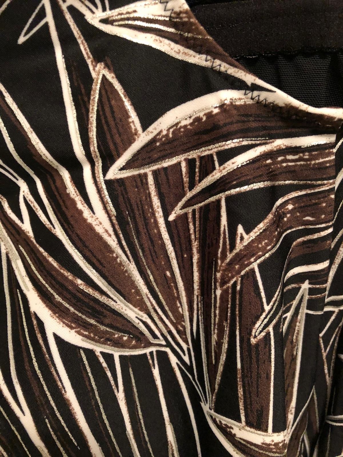 Women's Gottex Square Neckline One piece Swimsuit sz 10  Leaf Design
