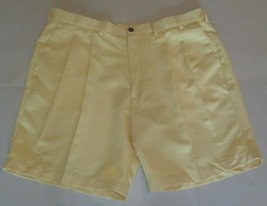 Roundtree & Yorke Size 44 EXPANDER WAISTBAND Yellow Pleated New Mens Shorts - $39.96