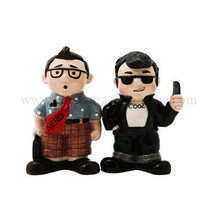 Nerd & Cool Guy Salt and Pepper Shaker Set - Ceramic Collectibles - £10.20 GBP