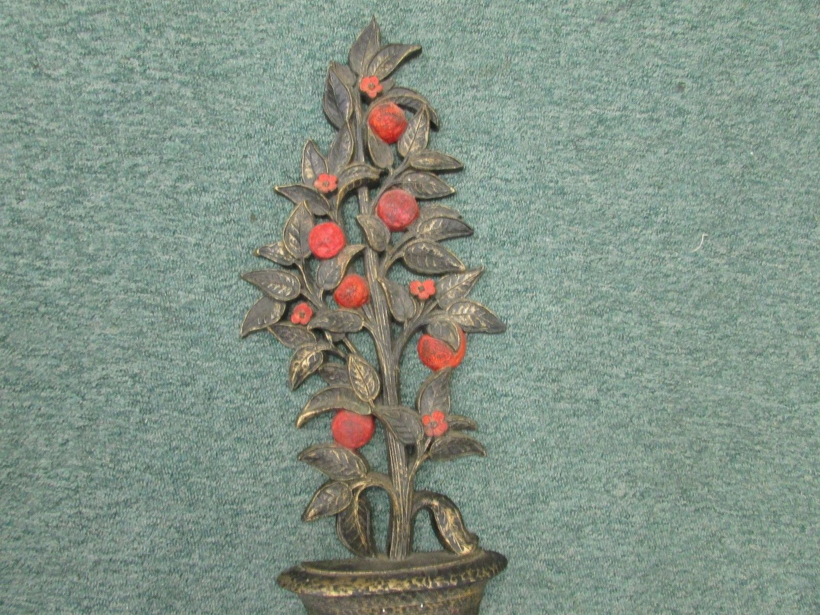 VINTAGE 1969 ~HOMCO~ CHERUB URN WITH TREE WALL ART PLAQUE ~NEAR MINT CONDITION~