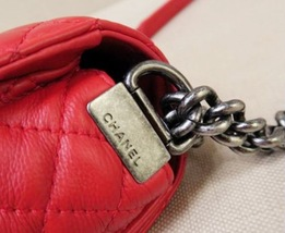 AUTHENTIC CHANEL RED SMOOTH CALFSKIN REVERSO MEDIUM BOY FLAP BAG RHW image 13