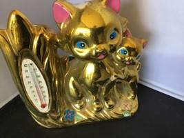 VINTAGE CERAMIC KITSHY CAT CATS THERMOMETER VASE GOLD Z - $4.94