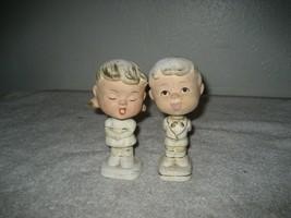 Vintage Enesco Kissing Boy Girl Nodders Bobblehead ceramic 1964 5'' tall - $19.79