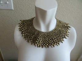 Vintage 50's Cleopatra Gold Tone Texture Graduated Bead Bib Collar Necklace - $29.99