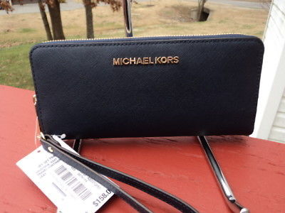 fb486880df47 Michael Kors Jet Set Travel Continental and 50 similar items. 1