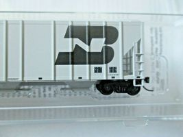 Micro-Trains # 09900311 Burlington Northern 3-Bay Covered Hopper N-Scale image 3
