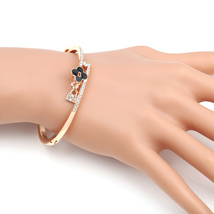 UE-Designer Bangle Bracelet With Jet Black Clover & Swarovski Style Crystals - $19.99