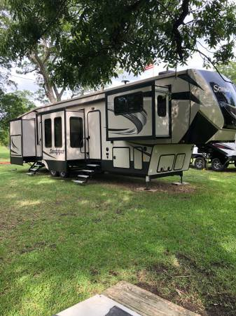 2019 FOREST RIVER Sand Piper 379FLOK FOR SALE IN Bastrop, TX 78602