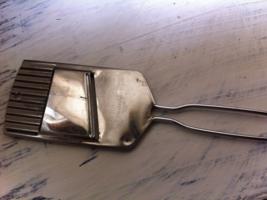 Vintage Nevco Handheld Vegetable Crinkle Cutter & Slicer~Stainless Steel... - $11.29