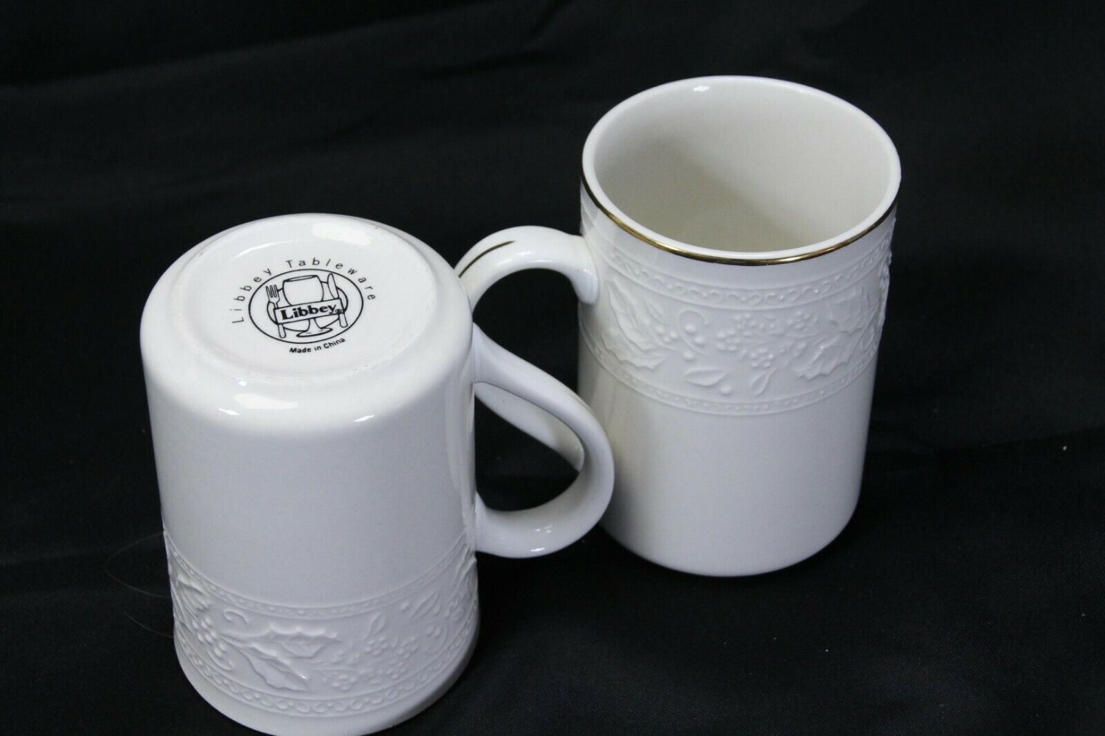 """Libbey White Embossed Holly Cups Mugs Xmas Gold Trim 4.25"""" Lot of 8 image 7"""