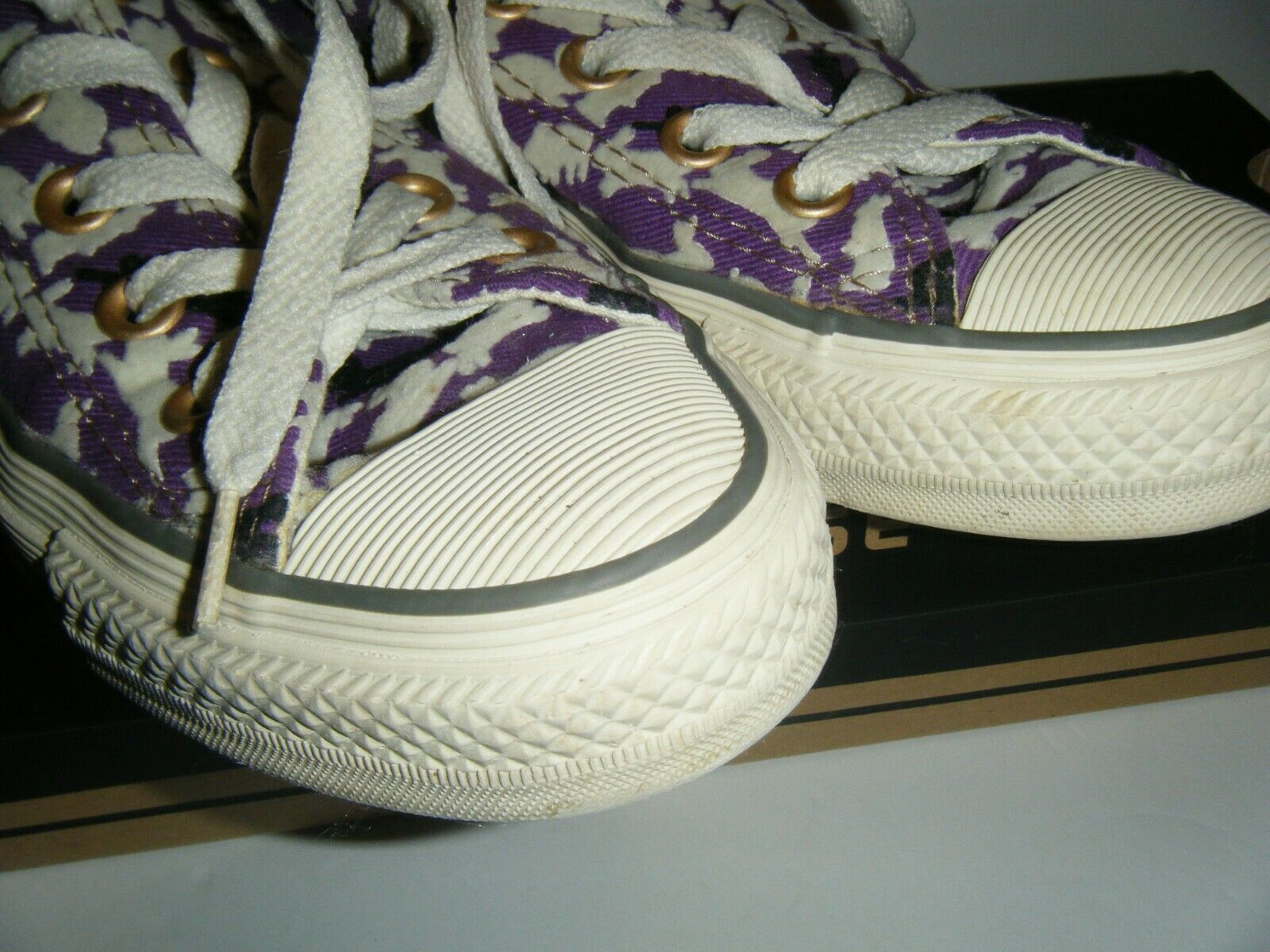 Converse All Star Tennis Shoes Mens 3 Womens 5 Ox Bunny Rabbit Purple Flocked image 10