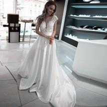 Scoop Short Sleeves Lace Satin Wedding Dress Open Backless Bridal Gowns Sexy Lon