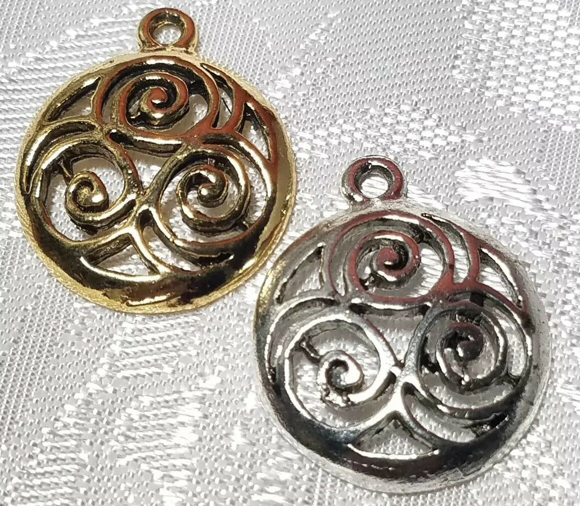 ROUND CELTIC FINE PEWTER PENDANT - 19x23x3mm