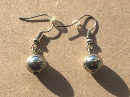 Vintage Silvertone Bead Ball Drop Earrings Dangle Pierced 25954 - $17.81