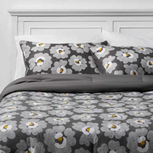 FULL Gray Daisies with White Sheets Printed MicrofiberBed Set W/Sheets 7 PIECES