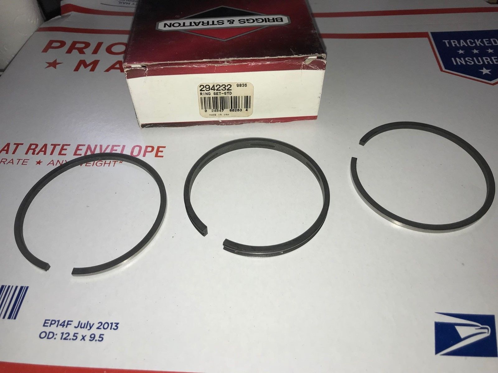 Primary image for OEM Briggs & Stratton Standard Piston Ring Set 294232 *New* RP(2)