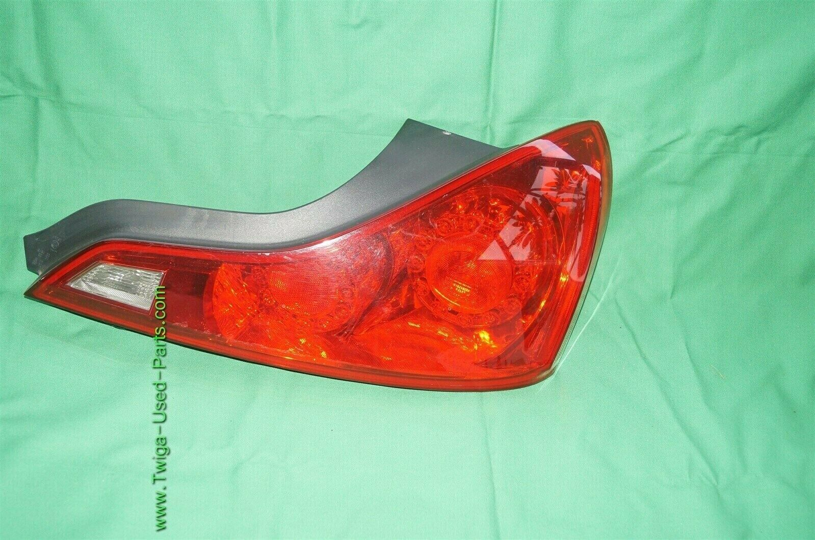 2008-13 Infiniti G37 Coupe Tail Light Lamp Passenger Right RH