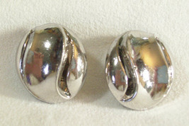 Vintage CROWN TRIFARI Silver Plate Swirl Button Style Clip Earrings Estate  - $18.80