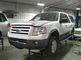 2012 Ford Expedition Headlight Right - $163.35