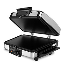 BLACK+DECKER 3-in-1 Waffle Maker with Nonstick Reversible Plates, Stainless - €47,61 EUR