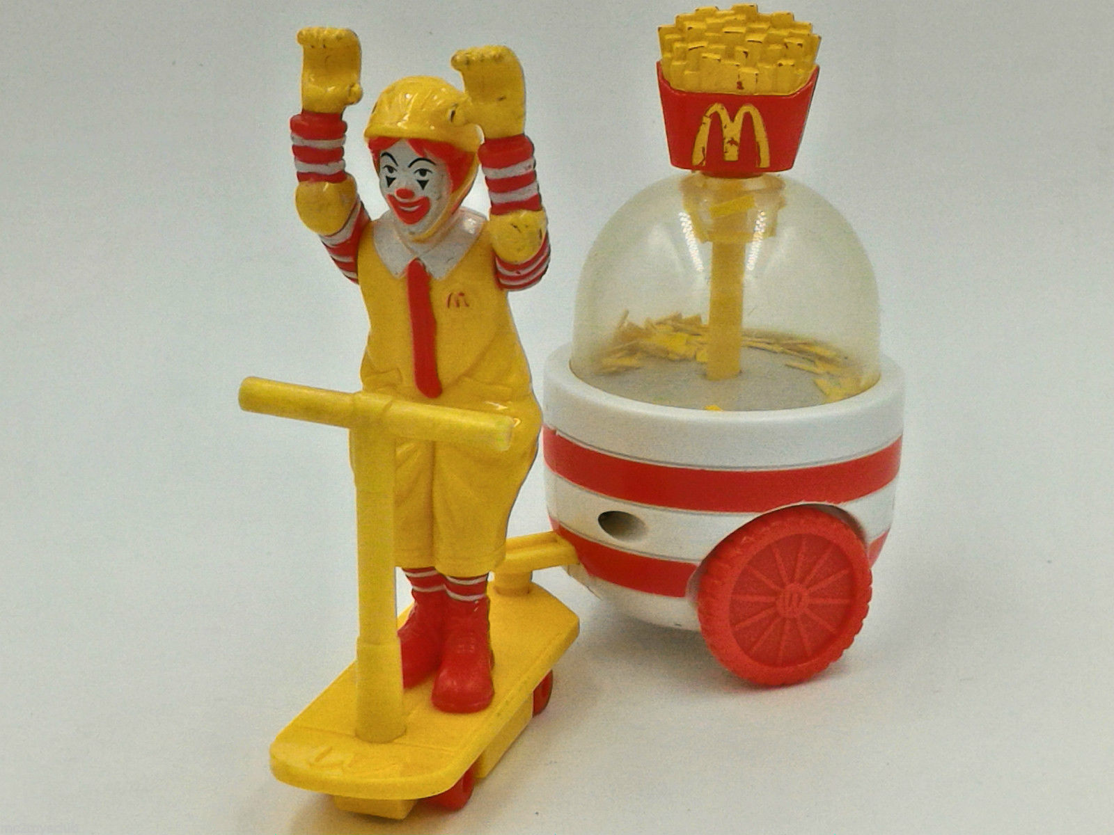 Parappapapa, I'm lovin' it! Be it Happy Meals, the morning breakfasts, signature classic Angus cheeseburgers or even the buttermilk crispy chicken burgers.