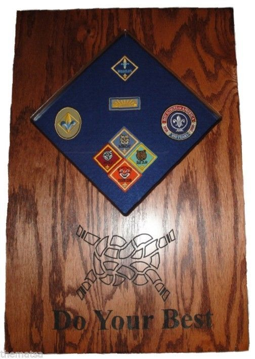 Primary image for CUB SCOUT PATCHES AND  BADGES  DISPLAY CASE SHADOW BOX