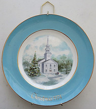 AVON COLLECTORS PLATES CHRISTMAS 1974 (COUNTRY CHURCH) WEDGWOOD TUNSTALL... - $20.00