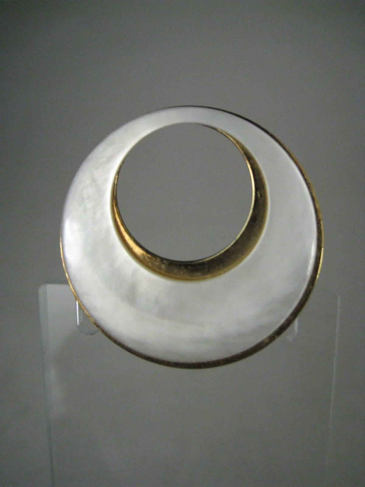 Brooch Goldtone Modern Design Germany Size 1.5 Inches Fashion Circle White