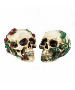 His And Hers Skull Set Polyresin Halloween Decrorations - £18.83 GBP