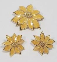 Avon Gold Poinsettia Christmas Brooch Pendant & Earring Set 1980s Vintage - $28.06