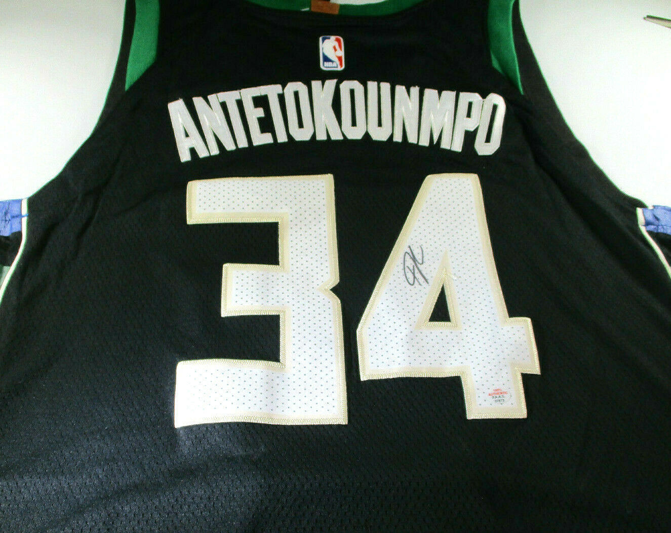 Primary image for GIANNIS ANTETOKOUNMPO / AUTOGRAPHED MILWAUKEE BUCKS BLACK PRO STYLE JERSEY / COA